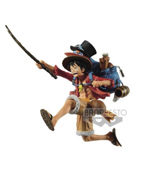 One Piece Mania Produce Three Brothers Monkey D. Luffy From Banpresto, the Mania Produce Three Brothers Monkey D. Luffy figure stands over 11 cm tall, ready for adventure. Add him to your collection today.